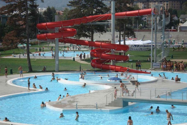BiH: Spasioci spasili život dječaku koji se utapao u bazenu