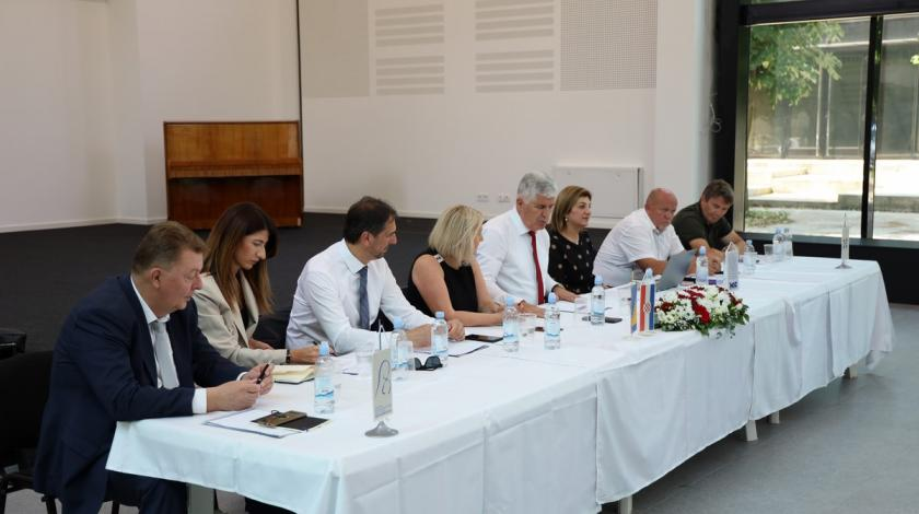 Predsjedništvo HDZ-a BiH u Tuzli: Očekujemo od MZ snažnu potporu…