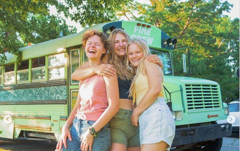 Tri cure postale prijateljice kad su shvatile da istovremeno hodaju s istim tipom