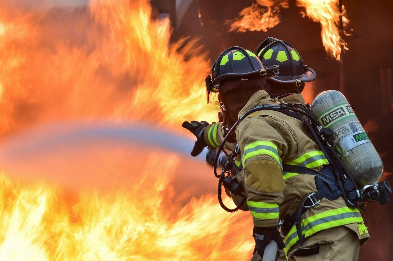 Zbog požara naređena evakuacija 2 tisuće ljudi