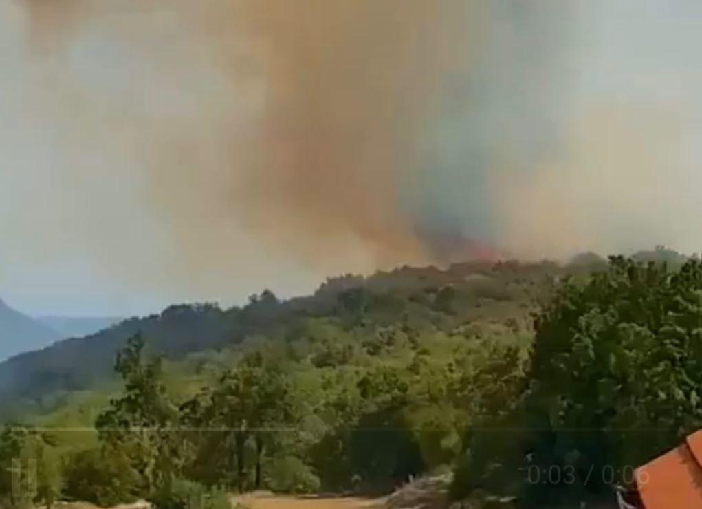 VIDEO Požar u selu iznad Širokog Brijega prijeti kućama!